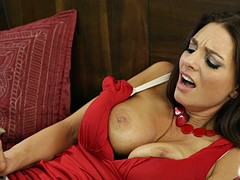 Mindi sucking Samantha's tight pussy making her scream in sexual delight