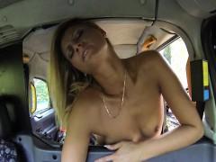 Lesbians fucking hard in taxi