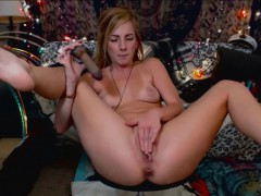Blonde Teen Squirting on Vibes