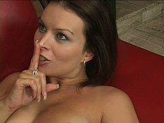Gros seins, Brunette brune, Tir de sperme, Faciale, Mère que j'aimerais baiser, Maman, Belle mère, Épouse