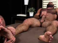 Muscular friends involved in some toe and feet fetish