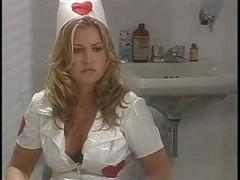 Classique, Infirmière