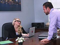 Amerikanisch, Blondine, Brille, Absätze, Lingerie, Büro, Strümpfe