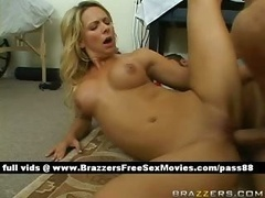 Sexy undressed blonde kitten on a hospital bed gets a blowjobs
