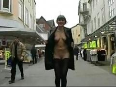 Nana, Danoise, Public