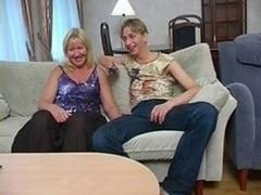 Saggy granny makes love