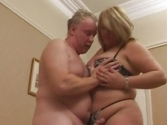 Blonde brit mom i`d like to fuck