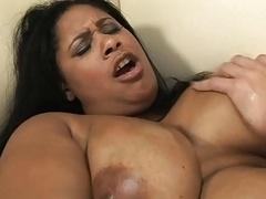 Belle grosse femme bgf, Voiture, Nénés