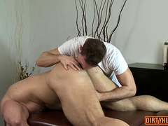 Muscle bodybuilder oral sex with massage