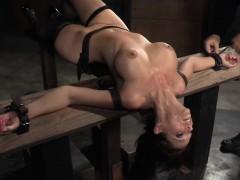 Threesome loving slave gets spitroasted