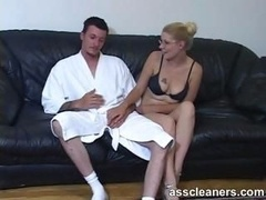 Blonde femdom goddess facesits a guy for rimming session