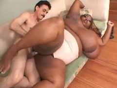 Mooie dikke vrouwen, Vies, Zwart