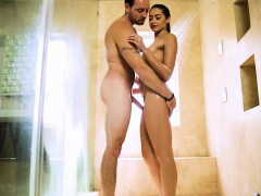 Perky tits Avi Love gets her hairy muff boned by her masseur