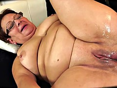 Chubby Granny Is Creampied