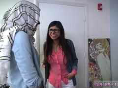 Teen fucks for pizza BJ Lessons with Mia Khalifa