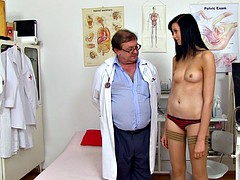 Brunette Gets Detailed Gyno Exam