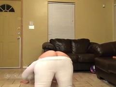 bbw shows her ass on cam