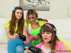 CFNM gamer babe deepthroating losers cock