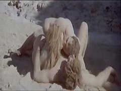 Hot outside sex chapter with Daria Halprin as they bang in the dirt