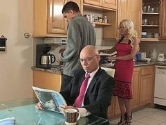 Rubia, Engañando, Familia, Sexo duro, Ama de casa, Cocina, Mamá, Esposa