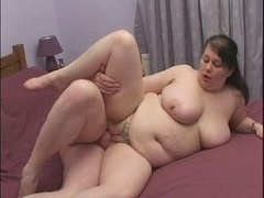 British Adult bbw gets banged on a squeaky bed!