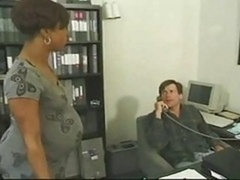 Ébano, Oficina, Embarazada