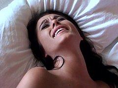 Amateur, Chambre à dormir, Brunette brune, Couple, Éjaculation interne, Hard, Maigrichonne, Ados anal