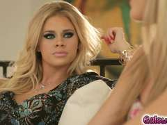 Kenna James seeks help on how to please her husband
