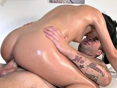 Cutie Takes Masseur's Dick