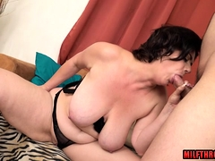Shaved mature blowjob with cumshot