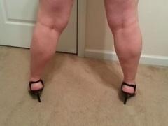 slut Lateshay black mini and also heels