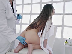 In den arsch, Braunhaarige, Spermaladung, Europäisch, Fingern, Faustfick, Reiten, Uniform