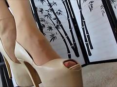 Pantyhose soles