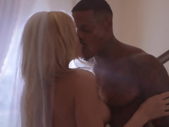 Classy lady Riley Steele seduces wedding singer