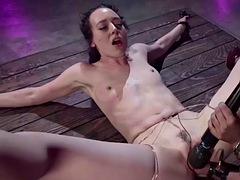 lesbienne hardcore Bondage porno gay porno vlog