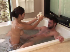 Asian masseuse paying extra attention to erect cock