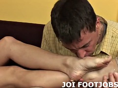i want to help you fulfill your foot fetish fantasy