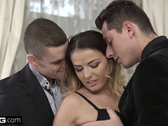 Euro Socialite Samantha Johnson gets a DP and cum facial